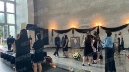 Под «Вечную память»: гроб стелом Бориса Горячева отправился налифте взал кремации