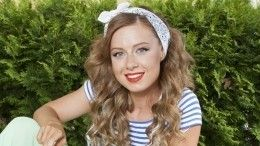 «Два месяца жду бумагу»: почему Юлия Савичева уже год неможет увидеть дочь?
