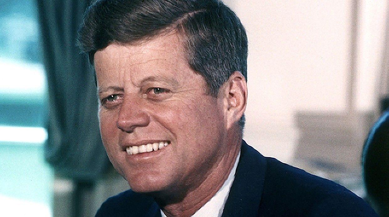 Два выстрела вДалласе: История загадочного убийства Джона Кеннеди