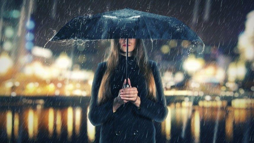 Сильные дожди сградом могут обрушиться наКрым вближайшие часы