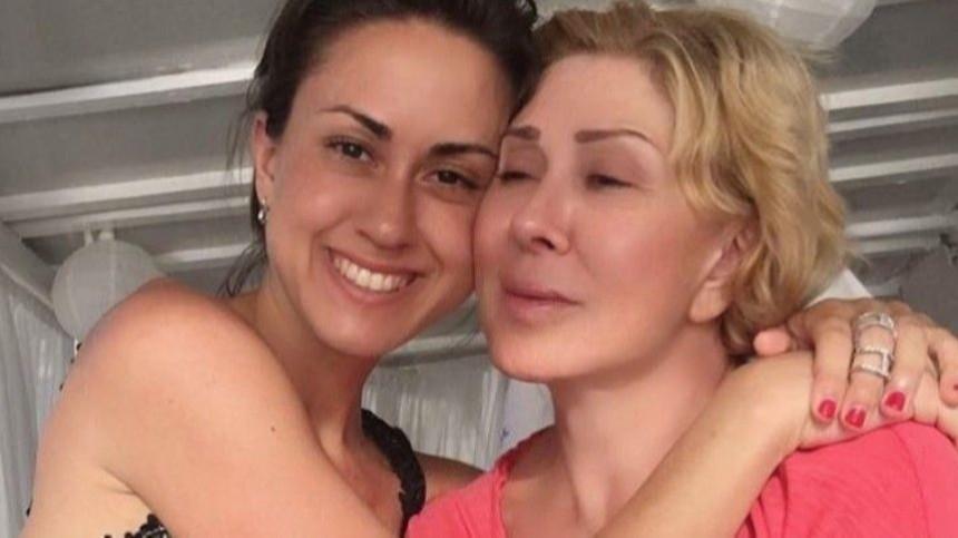 Справились: элегантная дочка Успенской появилась смамой насветском мероприятии