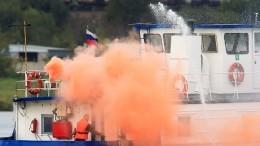 Теплоход спассажирами задымился наВолге вКазани