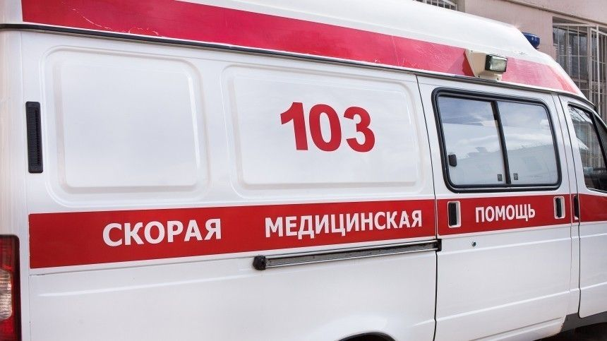 Женщина наBMW протаранила машину сребенком вЛипецке истанцевала накамеру