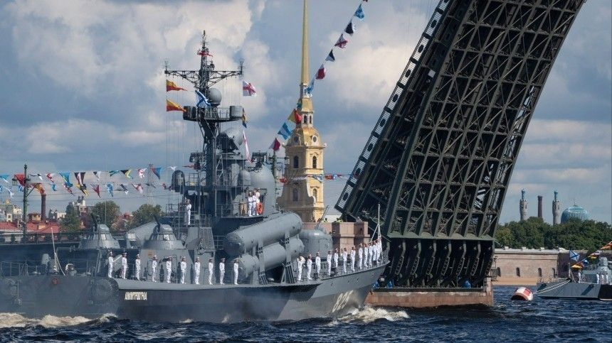 Путин спустит наводу траулер нового поколения вдень ВМФ России
