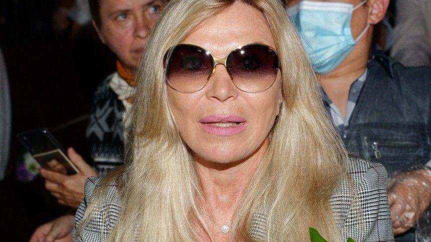 «Афродита»: 62-летняя жена Валентина Юдашкина нестесняется своего тела