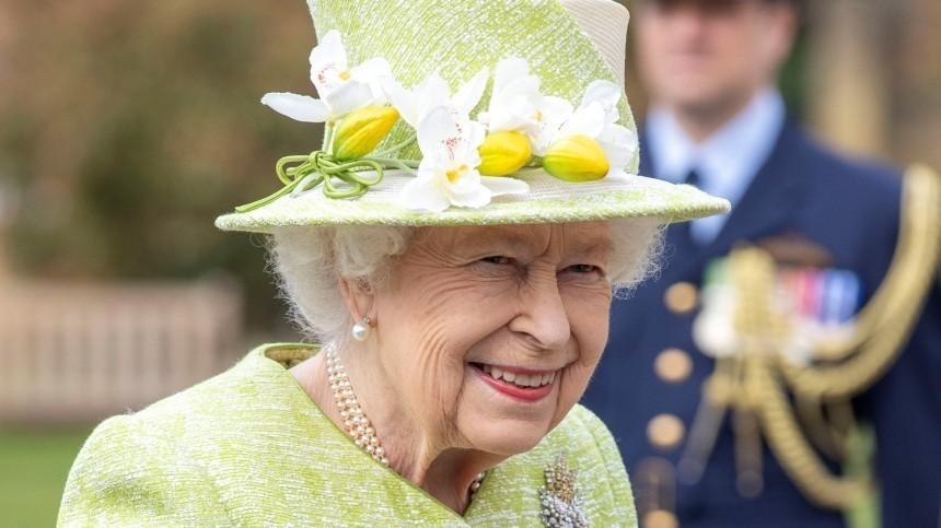 Королевский удар: Елизавета II придумала «месть» принцу Гарри иМеган Маркл