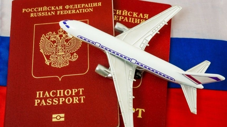 Прощай, отпуск: вРоссии разрешили изымать загранпаспорта удолжников