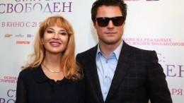 «Моложе, чем ты»: Данила Козловский поздравил маму с70-летием