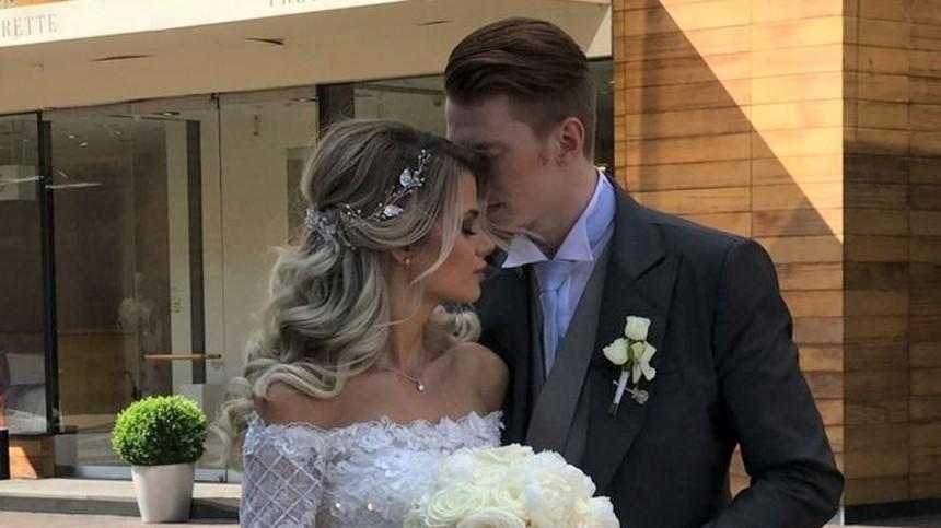 Жена внука Пугачевой выложила фото ивидео всвадебном платье вчесть годовщины