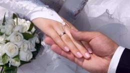 Изкровати под венец: ЗАГСам разрешили регистрировать браки надому ивбольницах
