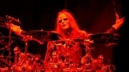 Страницы Slipknot всоцсетях окрасились черным после смерти Джои Джордисона