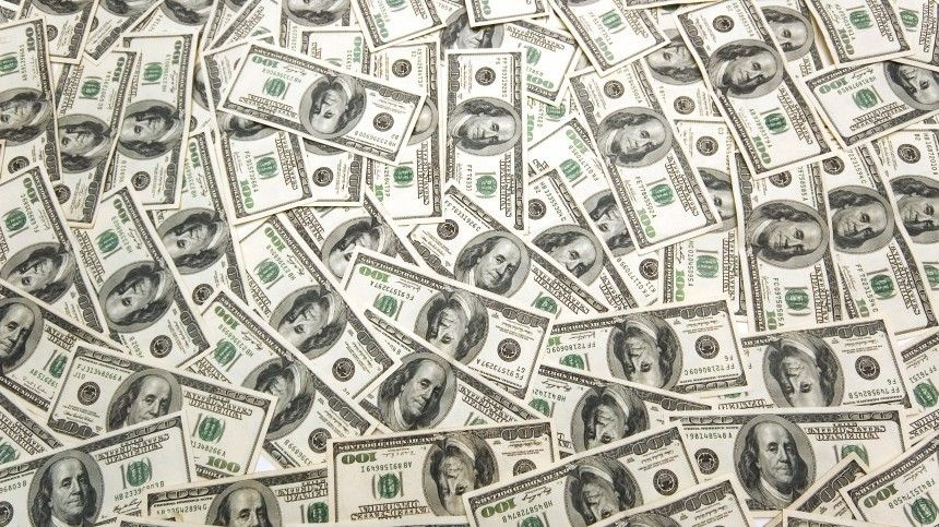 Средняя зарплата наУкраине впервые вистории превысила 500 долларов