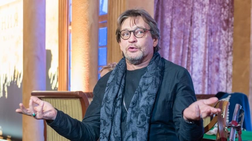 Кончаловский дал нелестное прозвище Домогарову: «театральное животное»