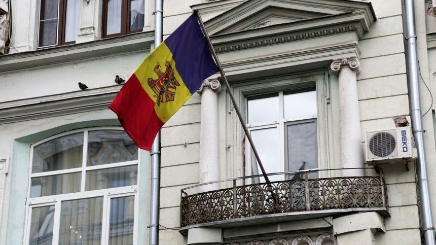 Молдавия отозвала своего посла вРФдля консультаций