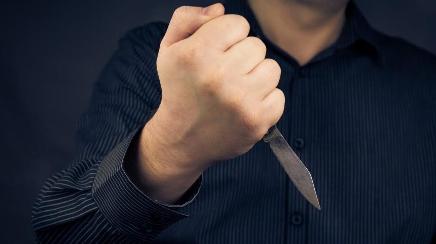 Полицейский сначала сбил, азатем зарезал школьницу под Самарой