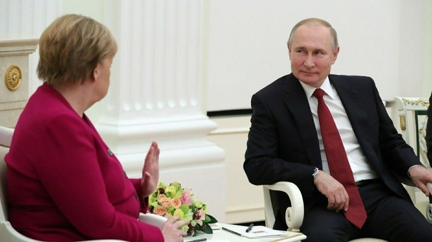 Историк рассказал, что переговоры Путина иМеркель носили «характер дуэлей»