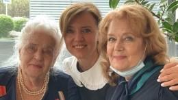 99-летняя мать Ирины Алферовой показала мастер-класс помакияжу: «Учитесь!»