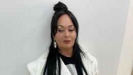 Дурацкая мода: Лариса Гузеева раскритиковала женщин сседыми волосами