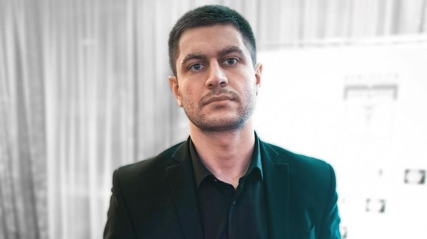 Манукян «отшил» нагло клеившуюся кнему участницу «Дома-2»: «Янка-прилипала»