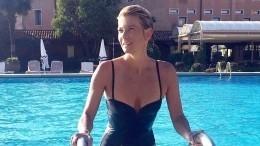 Юлия Высоцкая вбикини зажгла втанце сбокалами шампанского