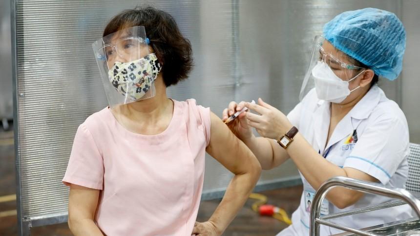 ВОЗ выступила против обязательной вакцинации для поездок зарубеж