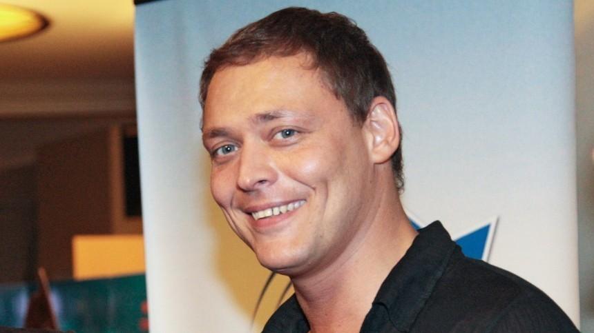 Звезда сериала «Татьянин день» Артем Артемов заявил оботравлении неизвестными людьми