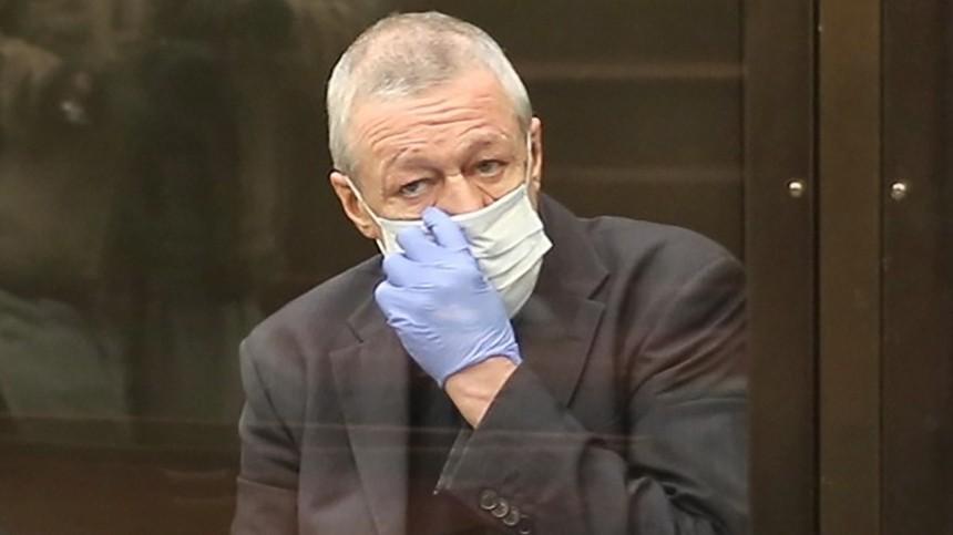 Адвокат Ефремова рассказал об«обмане» матери погибшего вДТП курьера Захарова