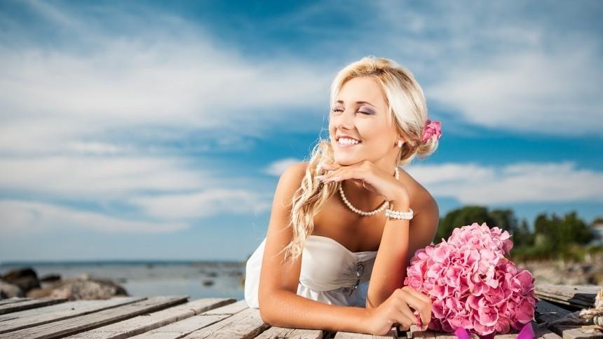Добрый знак или предвестник трагедии: значение свадебного платья восне