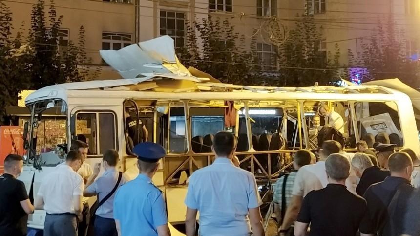 ВМинздраве сообщили отяжелом состоянии троих пострадавших при взрыве вВоронеже