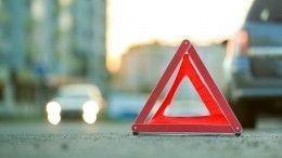 Груда металла: Mercedes имикроавтобус столкнулись вМоскве