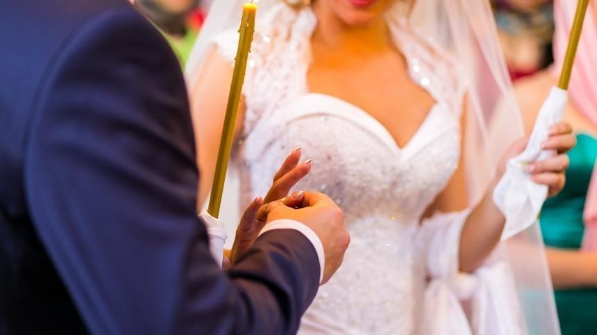 ВМоскве наМедовый спас планируют пожениться более 900 пар