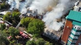 Сразу несколько домов полыхают наплощади 1000 квадратных метров вОренбурге