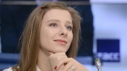 Елизавета Арзамасова родила отИльи Авербуха ивыложила фото смладенцем