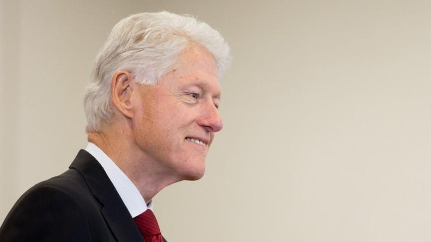 «Тефлоновый Билл»: Три главных скандала Билла Клинтона