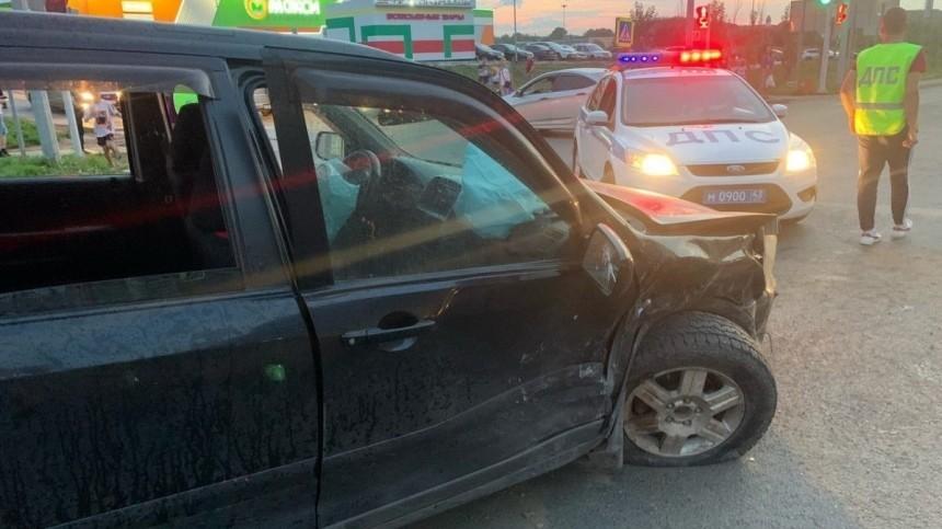 Иномарка протаранила толпу после ДТП вКирове. Пострадали дети