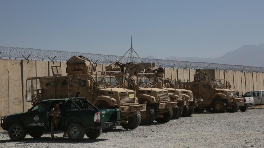 Трамп боится, что оставленная США техника вАфганистане отойдет РФиКНР