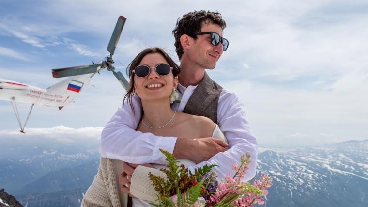 «Нехочу жениться»: Почему россияне стали позже заключать браки?