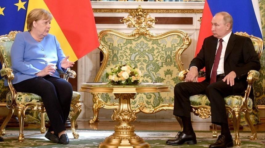 Путин прокомментировал ситуацию сНавальным после беседы сМеркель