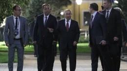 Владимир Путин осмотрел парк «Швейцария» вНижнем Новгороде