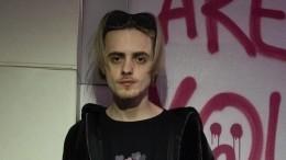 Полуголого лидера «Пошлой Молли» забрали вполицию после стычки фанаток насцене