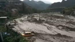 Заблокировавшие туристов вгорах Дагестана последствия ливня сняли навидео