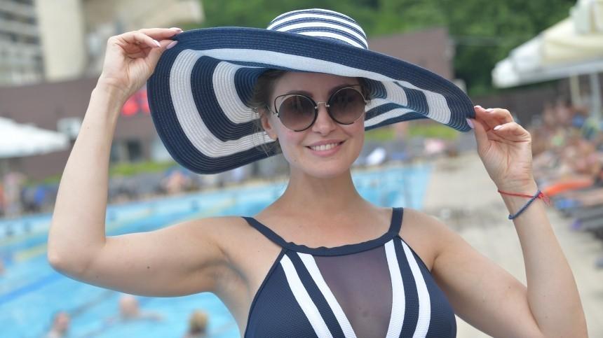 Родители-пенсионеры Анастасии Макеевой выплатили многомиллионную ипотеку актрисы