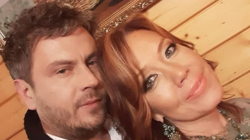 Муж Азизы нашел суррогатную мать для ихребенка вИталии
