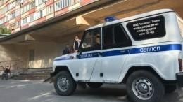 Соседи вероятного убийцы Насти Муравьевой попытались подловить его входе обыска