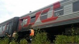 Поезд протаранил внедорожник вСаратовской области, трое погибли