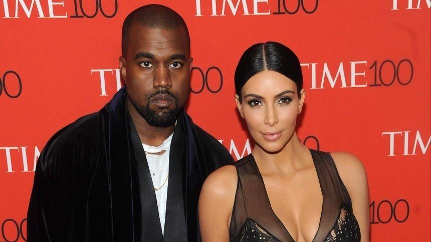 Ким Кардашьян отказалась менять фамилию после развода