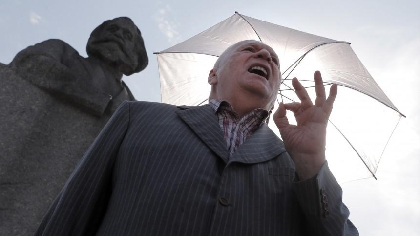 Жириновский зарегистрировался наэлектронное голосование ирассказал оего плюсах
