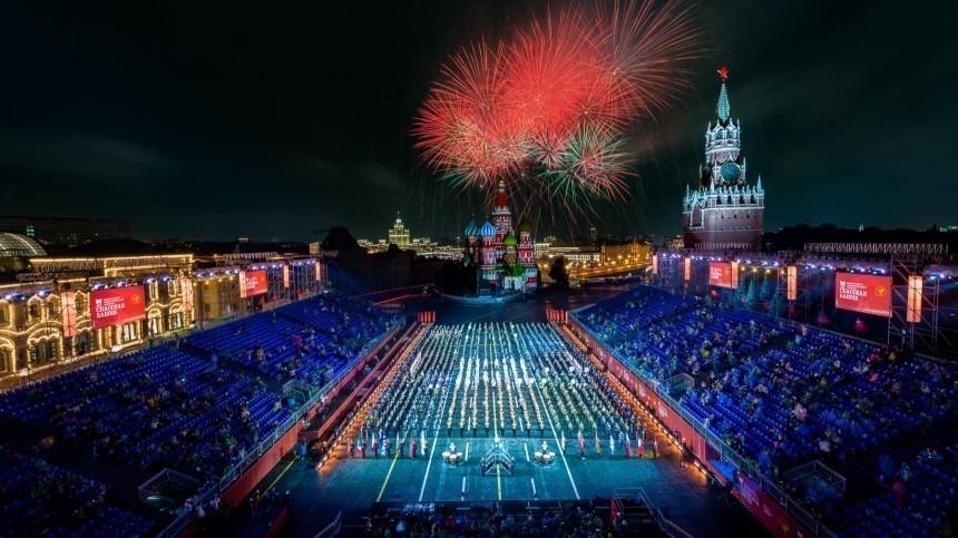Опубликованы фото соткрытия фестиваля «Спасская башня» наКрасной площади