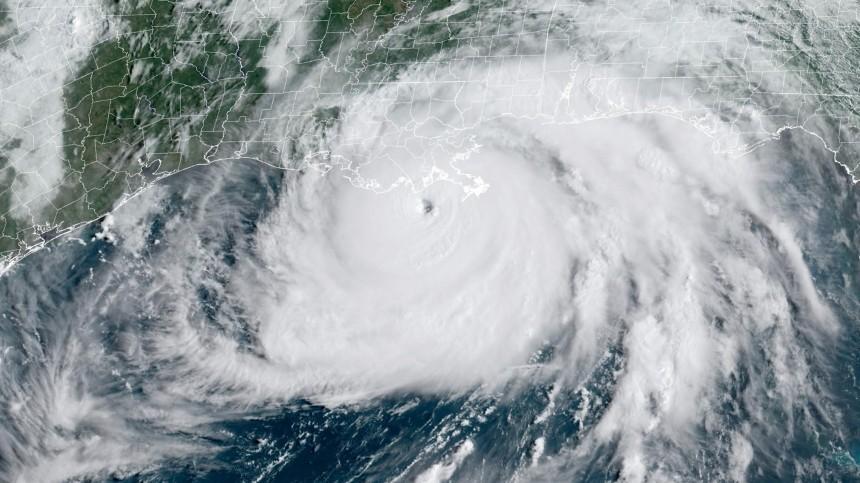 Более полумиллиона человек вСША остались без света из-за урагана «Ида»