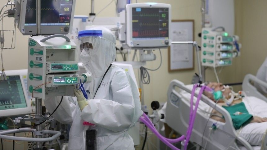 Мурашко заявил, что риск смерти для COVID-пациентов растет втечение полугода